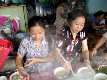 phô, plat national vietnamien, hanoï, vietnam, compagnie du barrage